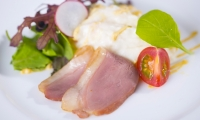 ①鴨のスモークとポテトサラダ