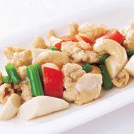 知床産鶏モモ肉とこんがりカシューナッツの炒め