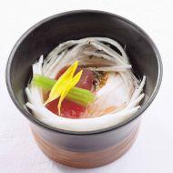 長芋素麺の巣籠もり鮪三つ葉添