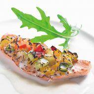 サーモンと野菜のグラタン仕立てソースムースリーヌ
